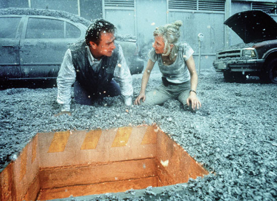 VOLCANO TOMMY LEE JONES AND ANNE HECHE © Fox